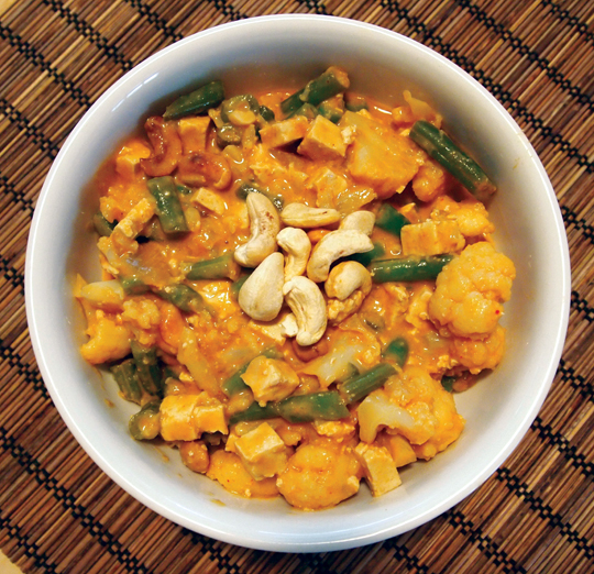 Guest Post: Cauliflower Cashew Curry You Want to Make For Dinner Now